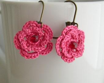 Pink flower earrings - Crochet Flower Earrings - Spring Fashion - Raspberry Pink Earrings - Wedding earrings - Pink Bridesmaid earrings