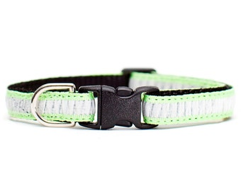 "Cat Collar - ""The Venus"" - White Ruffles on Lime Green"