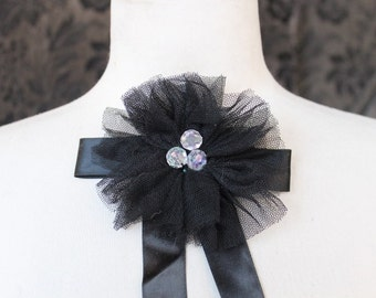 Cute    flower    black color   1 piece listing