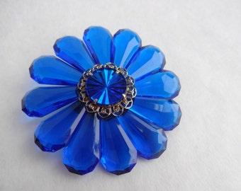 Blue Crazy Daisy Pin