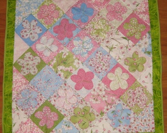Cheerful cherry blossom quilt
