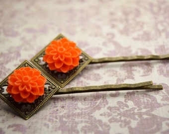 Dahlia Floral Bobby Pin Set - Pumpkin Orange Mums on Diamond Filigree Antiqued Brass Setting