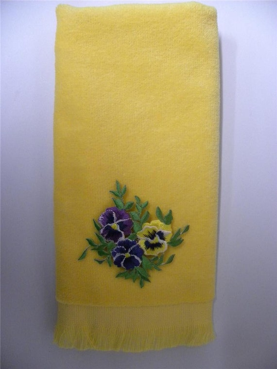 Pansy Fingertip Hand Towel Yellow Vintage Applique Pansies