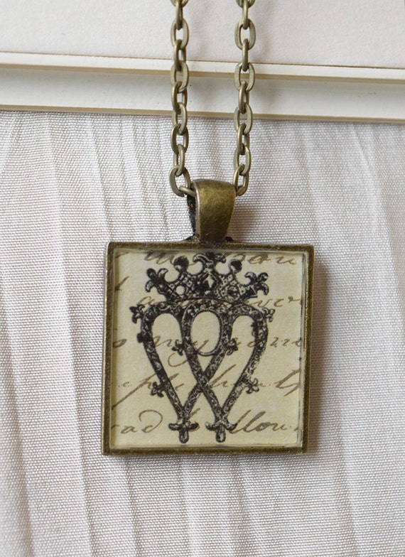 Brass pendant with chain: Luckenbooth, Scottish symbol of love