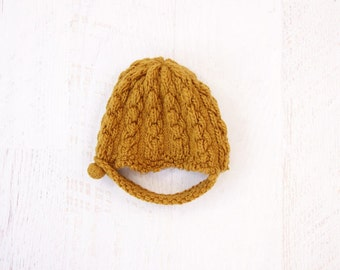 VINTAGE 1940s Cable Knit Hat Mustard Winter Cap Neck Strap Small