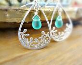 Leaf Teardrop Earrings Silver Aqua Drops Modern Minimal Vine Earrings Blue Bead Drop Earrings Lampwork Beads Bridal Earrings Wedding Jewelry