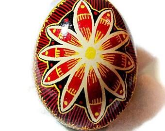 Egg, Pysanka, Ukrainian Easter Egg, Batik decorated chicken egg, Flower Power Ukrainian Dyed Chicken Egg