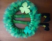 St. Patty's Day Wreath with Shamrocks. (With or without Leprechaun Legs)