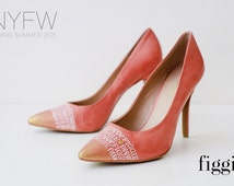 SAMPLE SALE Sz 10 Coral Pink Gold White Hand-Painted Signature Figgie Pumps