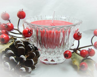 Soy Candle in a Gorgeous Crystal Cup.  Great for Gift Giving or a Hostess Gift!  Several wonderful Holiday scents available.