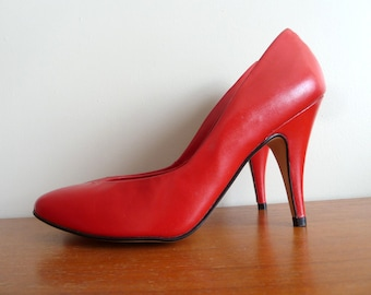 80s Stiletto Heels - Red Leather - Unworn - Made in Brazil Shoes Pumps - Vintage 1980s - 8 8B