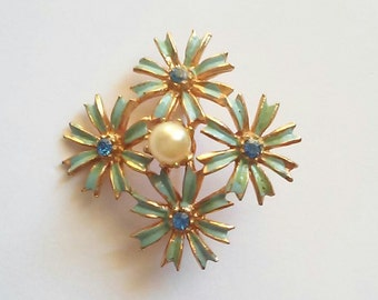 Vintage Flower and pearl fashion Brooch