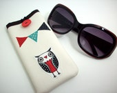 Eyeglass case in cream with owl, owl print eyewear case, owl party eyewear case