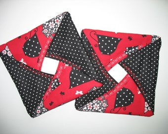 Pot Holders, Tea Pots and Tea Cups Black  with White Polka Dots, fabric Henry Glass mfg. (Set of 2)