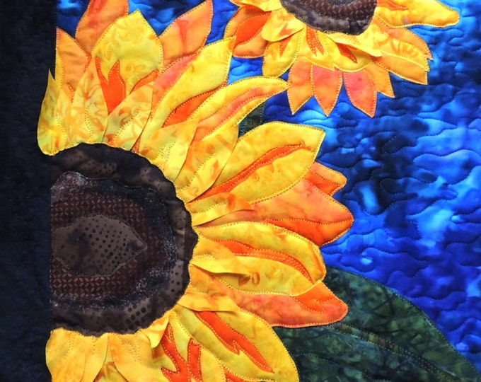 Featured listing image: Mirasol's Garden Sunflower Fusible Applique Pattern