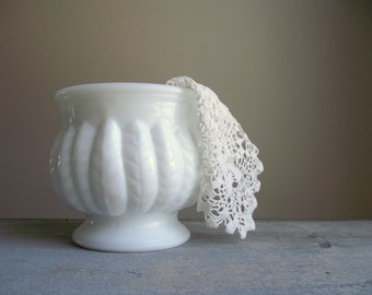 1950s Randall Milk Glass Planter , Vintage White Cachepot with Leaf or Feather Pattern , Wedding Bridal Shower Decor Shabby Cottage Chic