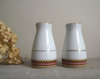 Vintage Noritake Salt and Pepper Shakers | Gold Rimmed Shakers | Porcelain China Shakers