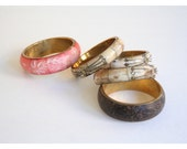 SALE    vintage India bone & wood bangle bracelets - set of 5 / Coral Pink - carved / brass inlay - Indian jewelry
