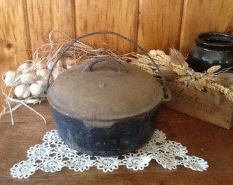 Antique Cast Iron Cauldron Pot No.8 Unusual Lid Rare Primitive Country Americana