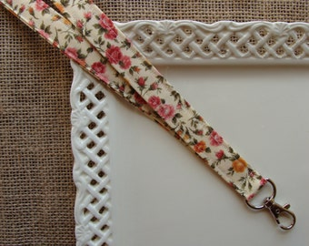 Fabric Lanyard - Traditional Roses on Cream
