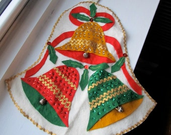 Vintage Kitsch Felt Christmas Holiday Wall Hanging with Bells Hand made