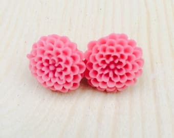 Pink mum earrings