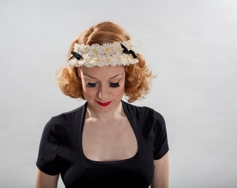 Vintage 1950s Daisy Wedding Headband - Madcaps - Floral Bridal Hat