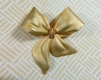 Vintage Gold Bow Brooch - BR-507 - Vintage Bow Brooch - Gold Brooch