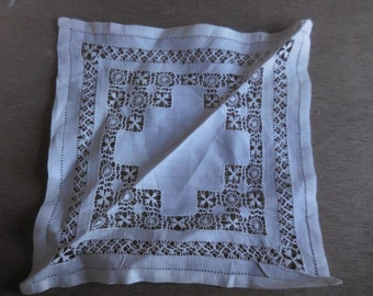 Vintage Handkerchief/Doilies White/Off White Square 1950s to1960s Intricate Design