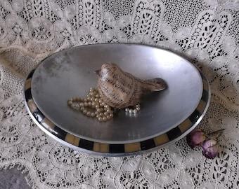 Vintage Cast Aluminum oval bowl with black and ivory edge, Vintage farmhouse decor