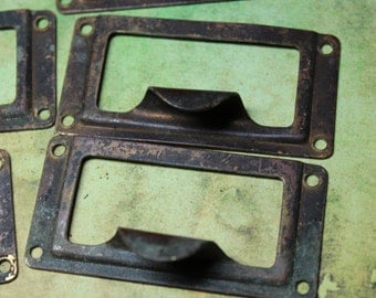 1 Antique Brass Drawer Handle