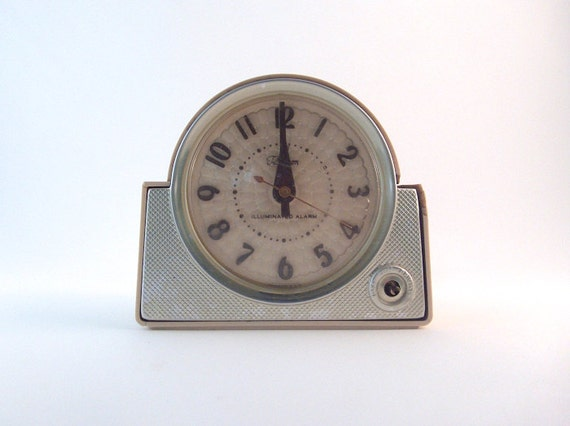 Art deco ge telechron iluminated alarm clock by annaleesattic Art deco alarm clocks