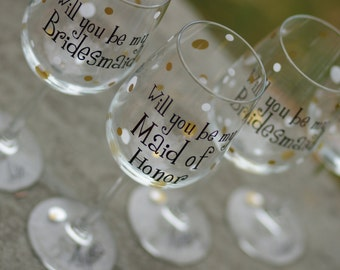 Will you be my Bridesmaid/Maid of honor/Matron of honor wine glasses, 9 Bridesmaid proposal glasses. Will you be my Bridesmaid? Polka dots.