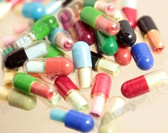 Clear Secret Love Note, Half Transparent Wish Pill Faux Capsule, Love Note, Note in a Bottle, 20mm x 7mm (R4-135)