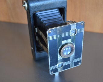 Vintage Kodak Jiffy Six-20 Camera - See all of our vintage cameras