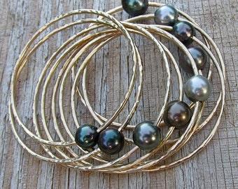 BIG Round Tahitian Pearl Bangle, Gold Hammered Bracelet, Genuine Black Pearls, Gemstone Jewelry, Wedding, Handmade Maui, Elegant Gift Idea