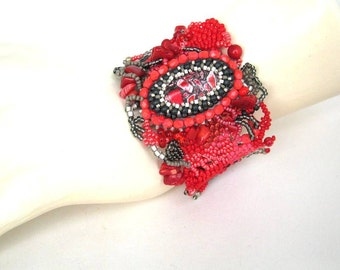 Red beaded bracelet, Mother's Day gift, Seed bead bracelet, Handmade jewelry, Beaded jewelry