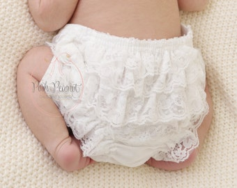 White lace Diaper cover- Lace ruffle Diaper cover -Lace Diaper cover -Newborn Diaper cover -Baby Diaper cover -Infant diaper cover -Bloomers