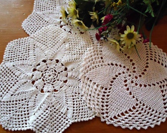 3 Crocheted Doilies Crocheted Doilys White Vintage Doilys Doilies  Lot  B206