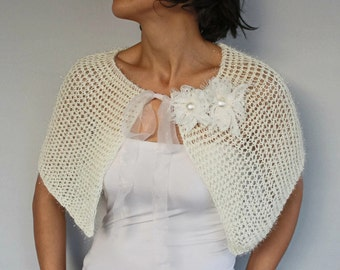 Winter Wedding Cape Soft Touch Bridal Capelet Bolero Cream Knit Ecru Beige Poncho Cozy Shrug Cover-up, Fall Spring Wedding Bolero, Lace