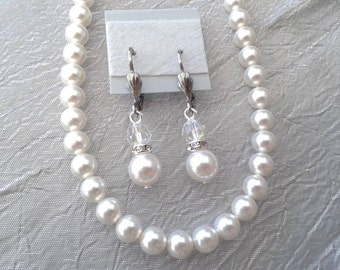 Swarovski pearl and crystal bridal necklace and earrings set.