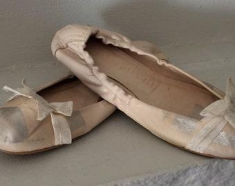 Pedro Garcia Creme and Silver Leather Metallic Ballet Flat Shoe