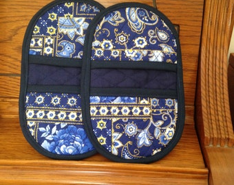 Mini Microwave Mitts-Oven Mitts-Pinchers-Blue Flowers w/Blue Trim-Free Shipping