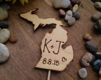 Single State Cake Topper - YOUR State with your Initials Carved in Wood Celebrate your Love of your Hometown