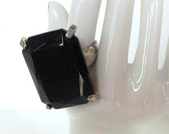 Vintage Glass Ring Statement Adjustable Black Silver 80s size 6 3/4 (item 33)