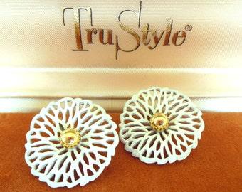 Vintage Monet Clip Earrings Enameled White Gold Flowers 50's (item 75)