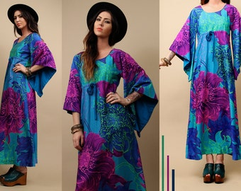 60s 70s Vtg ANGEL Sleeve HAWAiI Print Maxi Dress / Boho OP Art Mod Hippie Gorgeous Floral Saturated MERMAiD Gown / Small - Medium