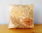 "Cushion vintage William Morris Chrysanthemum fabric  16"" cushion pad"
