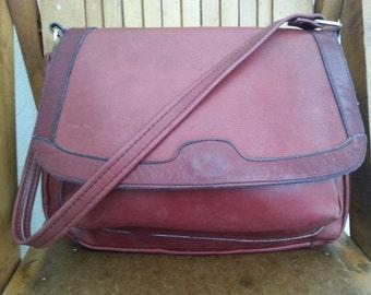 WINE    ///    Leather 70s Purse