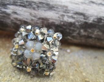 Bague de Cristal Swarovski et acier inoxydable dans les tons de gris et noir